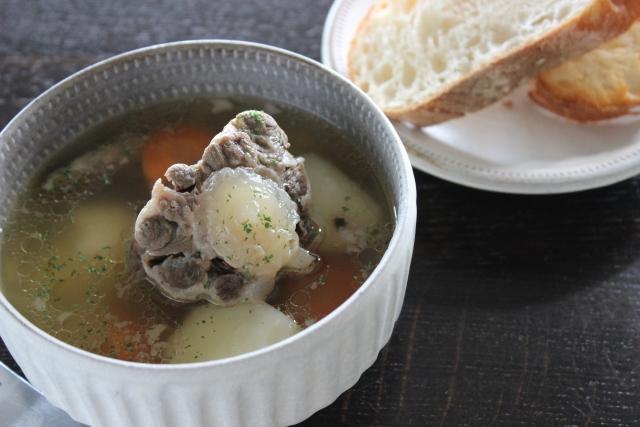 【トマトとふんわり豚肉のスープ】豚肉料理レシピ