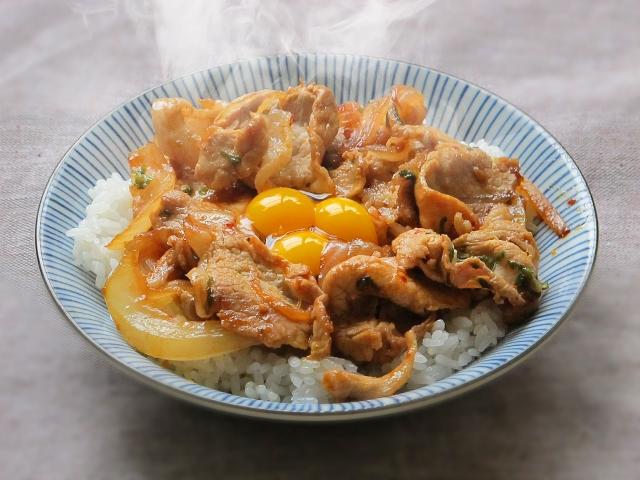 【コンビーフ炊き込みご飯】レシピ