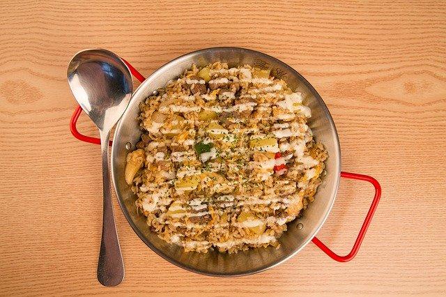 【フライパンで鮭のチーズトマトパエリア】検索きょうのおしゃレシピ