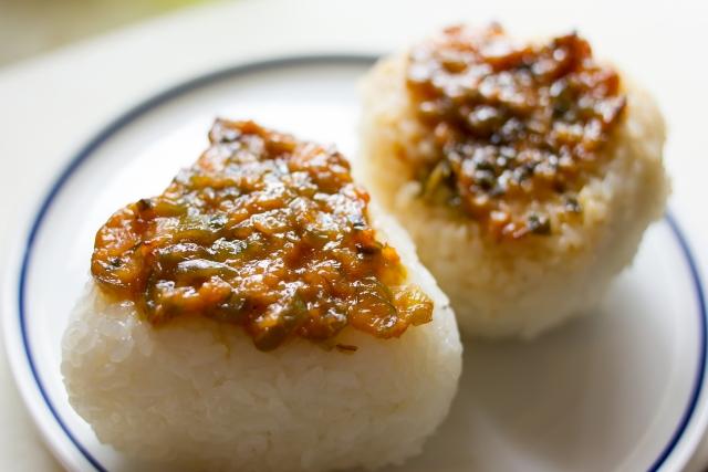 【味噌ピーナッツ焼きおにぎり】落花生レシピ