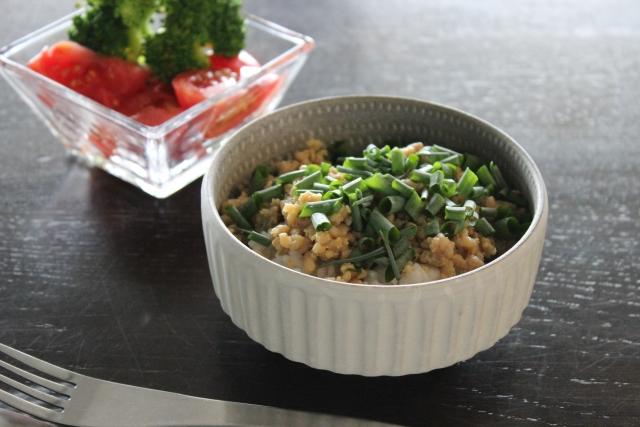 【サラダチキンとバタピーの味噌和え】natsucampさんレシピ