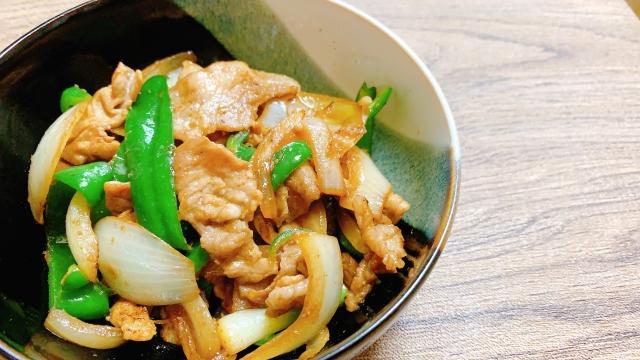 【豚ときゅうりの炒め物】笠原将弘シェフレシピ