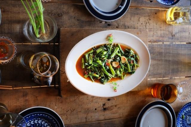 【豚バラと空芯菜のさっぱり梅炒め】きょうのおしゃレシピ